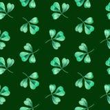 Картина клевера акварели безшовная Картина клевера с 3 листьями на день St. Patrick иллюстрация штока