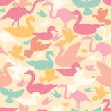 Картина красочных силуэтов птиц безшовная Стоковая Фотография