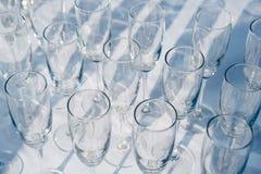 Картина много пустых кругов бокала catering Добро пожаловать питье стоковое фото