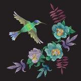 Картина моды вышивки с колибри и экзотическими цветками Стоковые Фотографии RF