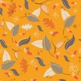Картина осени безшовная с листьями и ветвями Стоковое Изображение RF