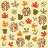 Картина осени безшовная с листьями и ежами иллюстрация вектора