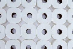 Картина предпосылки белых кренов туалетной бумаги Стоковые Фотографии RF