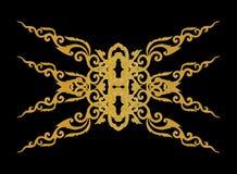 Картина рамки металла золота высекает цветок на черной предпосылке Стоковые Фото