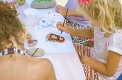 Картина ребенка облицовывает outdoors стоковое фото rf