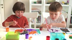 Картина ребенк на детском саде видеоматериал