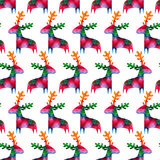 Картина рождества безшовная с красочными оленями Стоковая Фотография RF