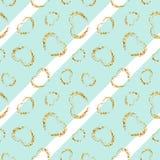 Картина сердца золота безшовная Бело-голубые геометрические нашивки, золотые confetti-сердца grunge Символ влюбленности, дня вале бесплатная иллюстрация
