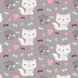 Картина симпатичного шаржа безшовная с котами, сердцами, косточками Стоковое Фото