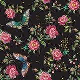 Картина тенденции вышивки флористическая безшовная с розами и butterfl Стоковые Фотографии RF