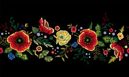 Картина традиционного ландшафта вышивки безшовная с красными маками Стоковая Фотография