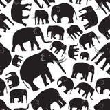 Картина черных слонов безшовная Стоковые Фотографии RF