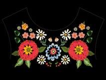 Картина neckline вышивки родная с маками и фантазией Стоковое фото RF