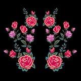 Картина neckline вышивки традиционная с красными розами Стоковое фото RF
