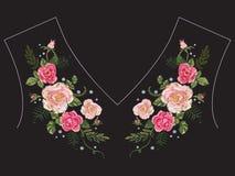 Картина neckline вышивки традиционная с розовыми розами и forg Стоковое Изображение RF