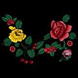 Картина neckline стиля вышивки с упрощает цветки Стоковая Фотография RF