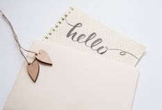 2 картины и слова сердца любовников здравствуйте! для greating карточки Стоковая Фотография