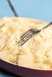 Картофельные пюре в шаре на деревянной таблице планок Стоковые Фотографии RF