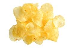 Картофельные стружки изолированные на белизне Стоковые Изображения