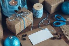 Карточка для показателя на таблице с подарками Стоковое Фото