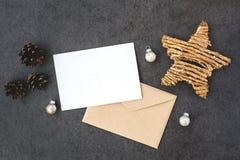 Карточка и конверт с звездой стоковая фотография rf