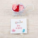 Карточка младенца - своя тема девушки Pram вполне цветков Стоковое Изображение