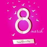 Карточка дня женщин 8-ое марта с розами на белой предпосылке Отрежьте для Стоковое Фото