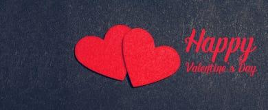 Карточка праздника с сердцами на черноте Стоковые Фотографии RF