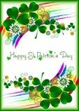 Карточка праздника с удачливым орнаментом клевера на белой предпосылке на день St. Patrick 17-ое марта Стоковое Изображение RF