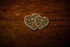 Карточка приглашения 2 золотая сердец Стоковая Фотография