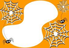 Карточка приглашения с спайдерами и паутинами хеллоуина Стоковые Фото