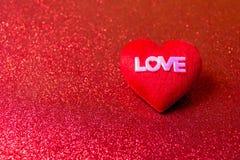 Карточка сердца красная и ` s валентинки день Стоковое Изображение RF