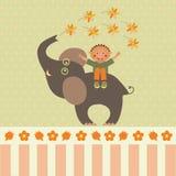 карточка с мальчиком на слоне с цветками Стоковые Изображения