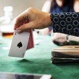 Карточки взрослых играя и общаться Стоковое Изображение