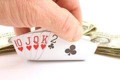 карточки играя в азартные игры человек s удерживания руки Стоковые Фотографии RF