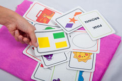 Карточки объекта в руке Стоковые Фотографии RF