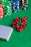 Карточки покера dices и откалывают Стоковые Изображения RF
