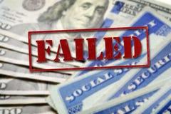 Карточки социального обеспечения представляя финансы и выход на пенсию с Стоковое Фото