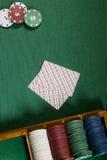 Карточки с рукой покера с обломоками Стоковое Изображение RF