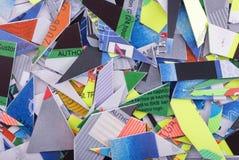 карточки чредитуют shredded стоковые фото