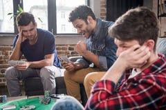 Карточки людей играя Стоковое Фото