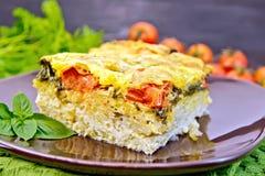 Картошка пирога с томатом на борту Стоковые Изображения RF