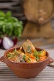 Картошки жаркого и нервюры свинины Стоковое Изображение