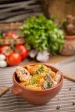 Картошки жаркого и нервюры свинины Стоковое Фото