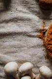 картошки зажаренные цыпленком Резать перед едой Стоковое Фото