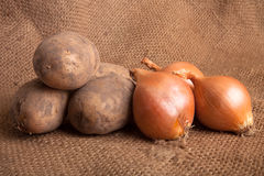 Картошки и луки Стоковое Изображение