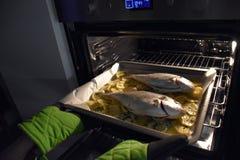 картошки рыб Стоковая Фотография
