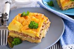 Картошки Graten и семенить мясо Стоковые Изображения