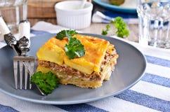 Картошки Graten и семенить мясо Стоковые Изображения RF
