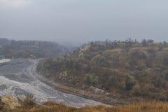 Карьер глины в тумане Стоковые Изображения RF